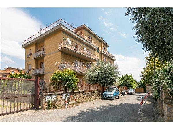 Case appartamenti negozi uffici in affitto a roma for Negozi commerciali in affitto roma