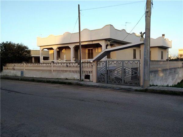 Case appartamenti negozi uffici uso residenziale in vendita a nard annunci immobiliari - Agenzie immobiliari nardo ...