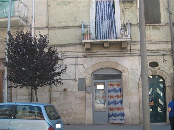 Ufficio Casa Barletta : Case indipendenti uso ufficio in vendita in provincia di barletta