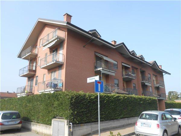 Ufficio Casa Piossasco : Case appartamenti negozi uffici uso residenziale in vendita a