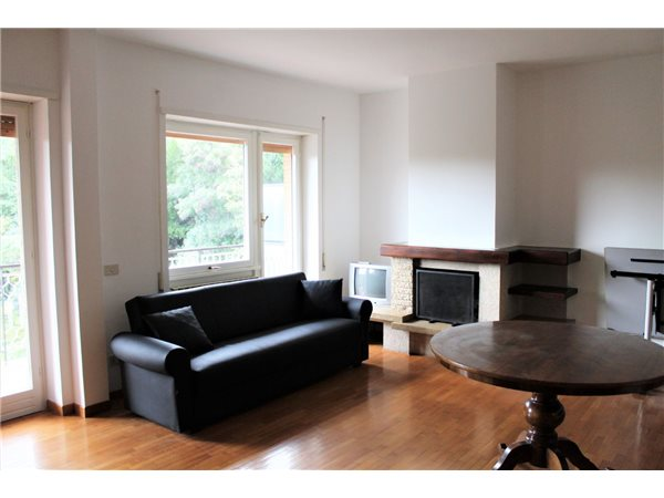 Case appartamenti negozi uffici in affitto a roma for Uffici in affitto roma
